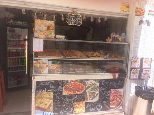 Vendesi pizzeria a Nerja nella Costa del Sol